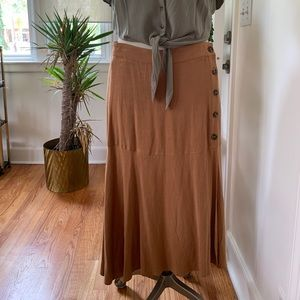 NWT Umgee Linen Style Rust Color Skirt